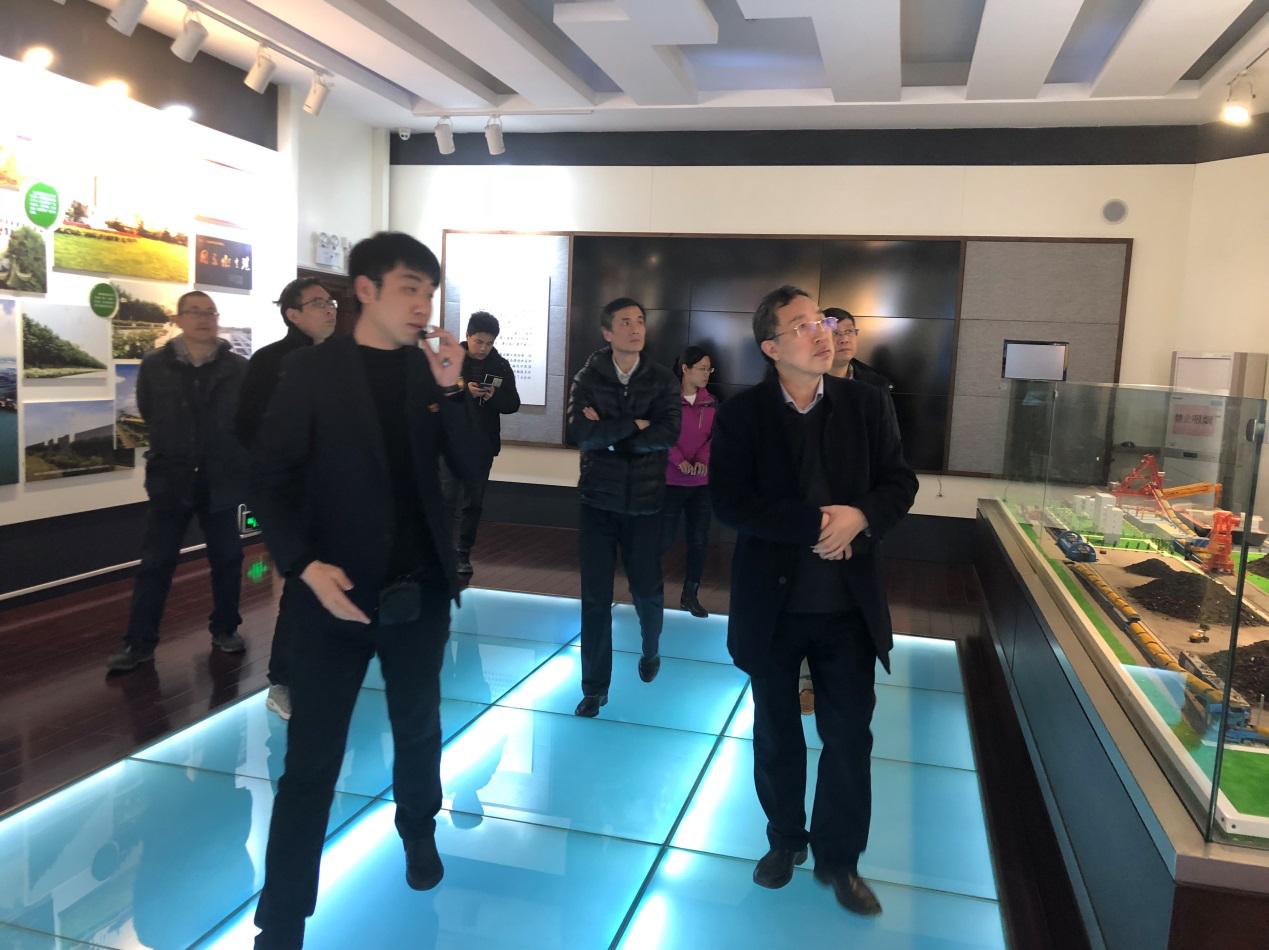 公司董事长王英杰带领中科院地理所三位专家来秦对《秦皇岛市历史文化旅游资源保护与开发方案》项目进行实地考察